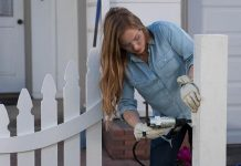 Decorative Curved Picket Fence