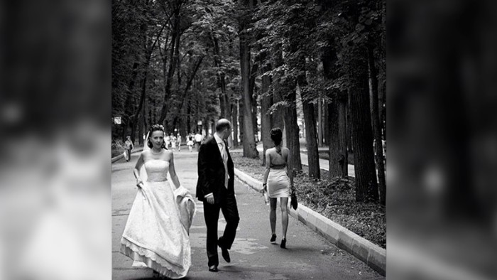 look back hilarious wedding photos